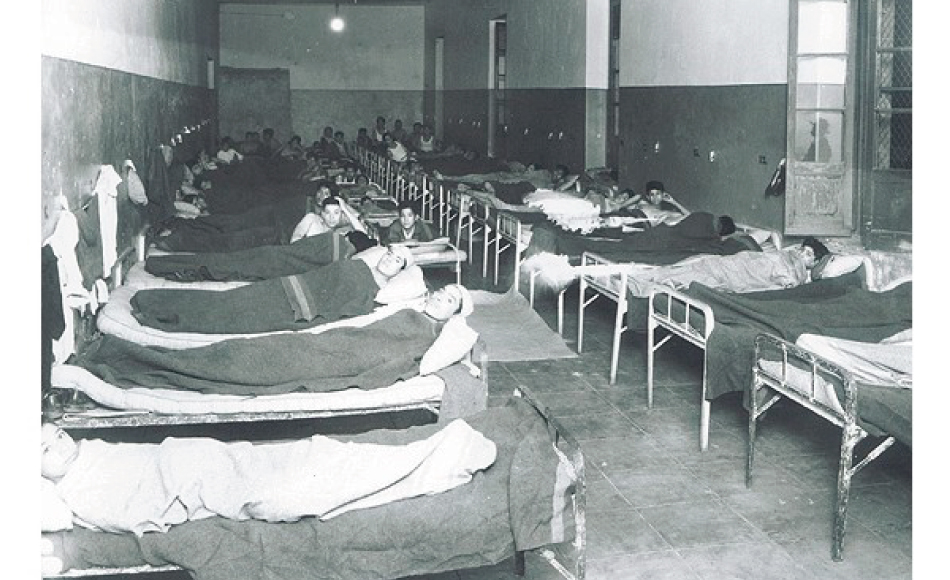 Diversos enfermos dentro del Hospital Juárez en la Ciudad de México